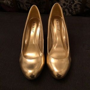 Gold Heels - Size 7